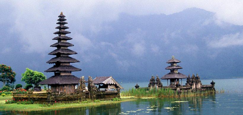 Zboruri excelente din Bucuresti catre Bali, Indonezia, 596 eur cu Qatar Airways