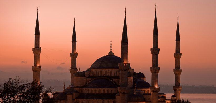 City Break Istanbul in decembrie 2015- 115 Eur avion + cazare 3 nopti in centru!
