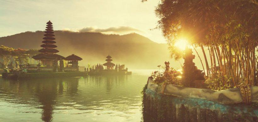 Bali, insula Zeilor, numai 437 EUR dus-intors din Bucuresti