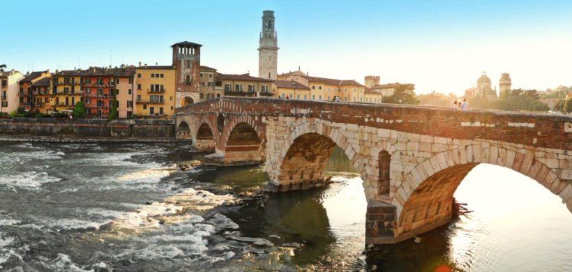 Citybreak in orasul lui Romeo si Julieta, Verona: de la 188 EUR (avion dus-intors, cazare 3 nopti, 1 zi in parc de distractii)