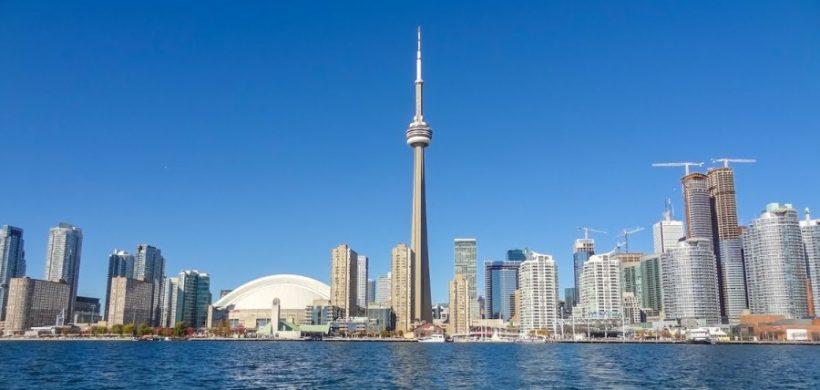 Zbor catre Toronto, Canada, 438 EUR dus-intors din Bucuresti