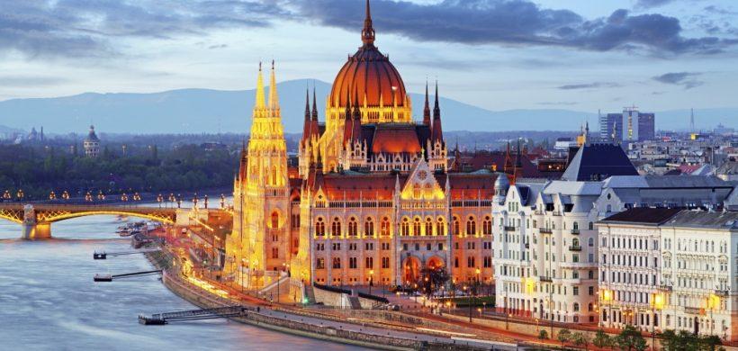 City break Budapesta! 61 eur (zbor si 3 nopti cazare pe vapor)