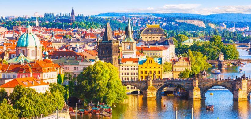Weekend prelungit in Praga! 143 euro (zbor, cazare si mic-dejun)