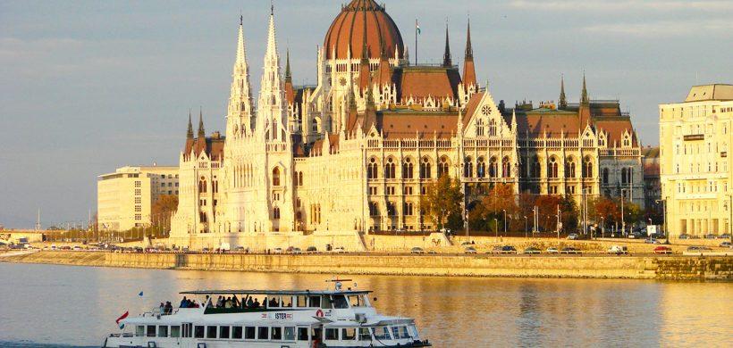 City Break Budapesta si Croaziera pe Dunare! 97 euro/pers. (zbor, cazare 3 nopti si croaziera)