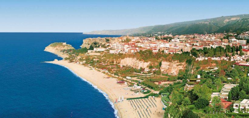Weekend prelungit la plaja, in Calabria, 128 euro! (zbor, transfer si cazare 4 nopti)