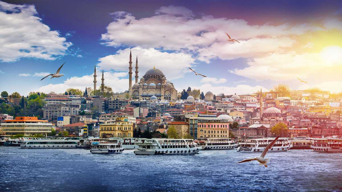 Weekend prelungit in Istanbul, 134 euro! (zbor cu Turkish Airlines si cazare 3 nopti)