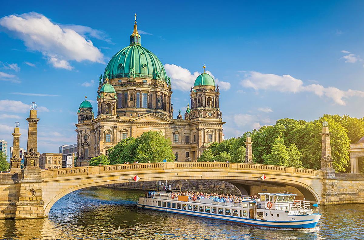 4 zile de vara in berlin 119 euro zbor si cazare. Black Bedroom Furniture Sets. Home Design Ideas