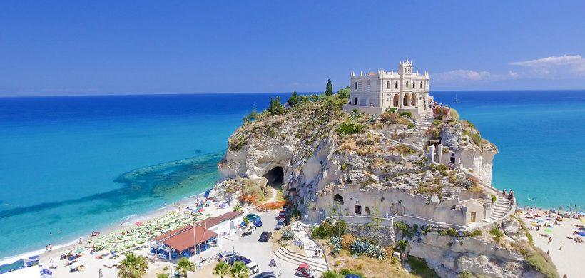 Vacanta de o saptamana in Calabria, 235 euro! (zbor, cazare si mic dejun)