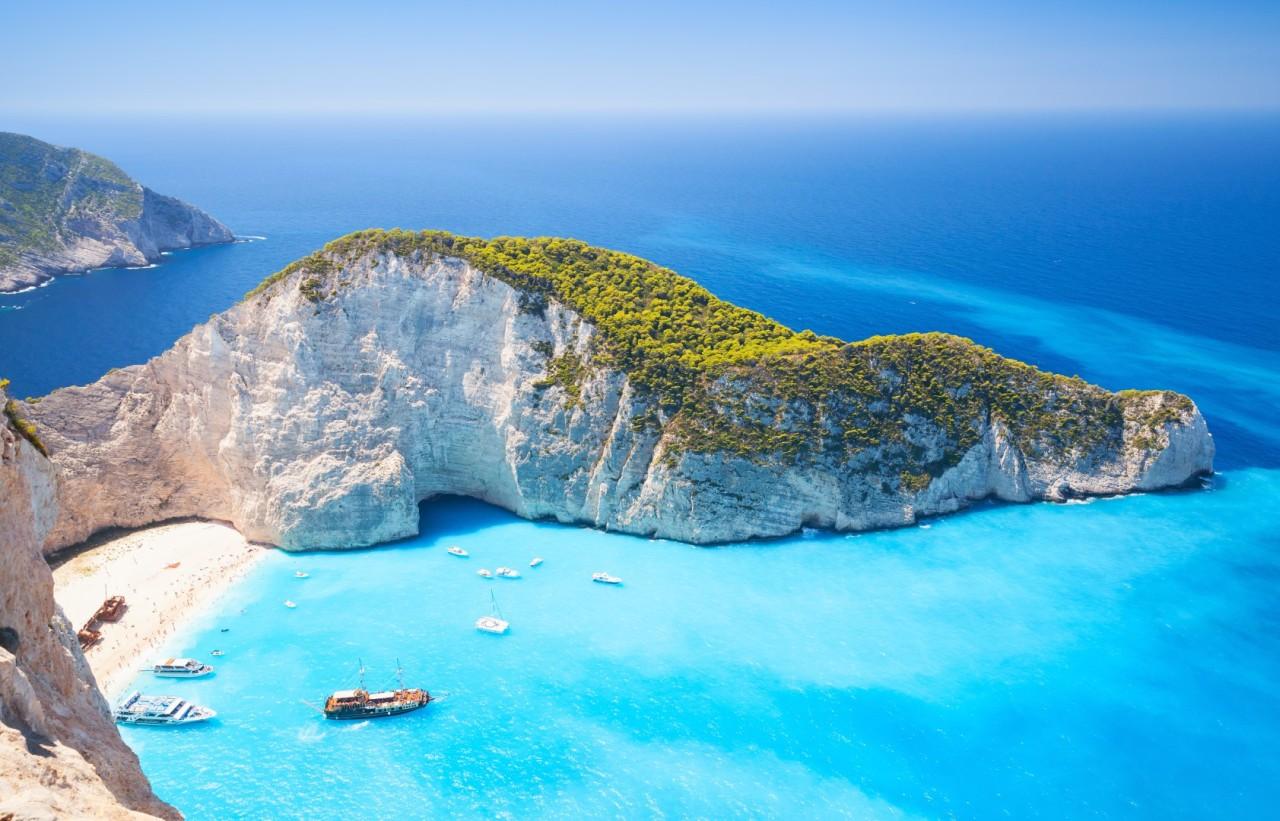 2021: Vacanta de vara in Zakynthos, 192 euro! (zbor si cazare 7 nopti)