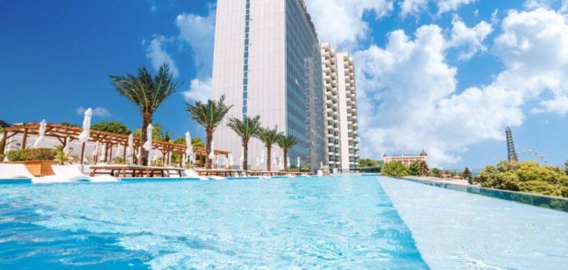 Nisipurile de Aur: TOP 10 cele mai ieftine hoteluri de 4 si 5 stele, de la 23 euro/persoana in AUGUST!